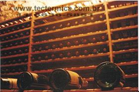 Prateleira garrafeira em madeira para guarda do vinho, modelo MMQR