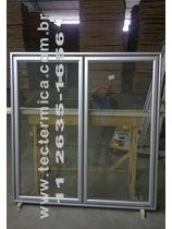 Use a Porta de vidro para transformar a Câmara frigorifica num Expositor refrigerado